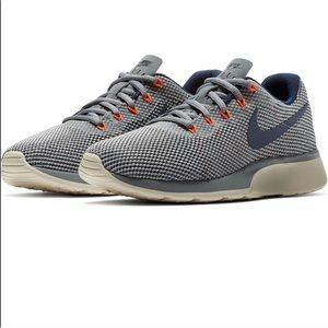 NWT Nike  <nav class=